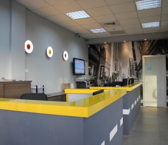 עיצוב פנים למשרדים,תאורת קיר המזכירה רמזור,ענבל קרקו, עיצוב פנים ופנג שואי