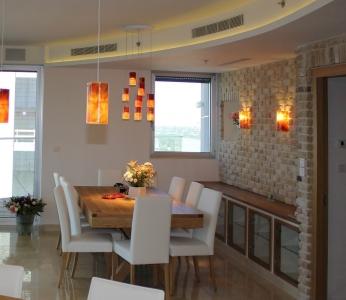 עיצוב דירת יוקרה, מבט נוסף אל פינת האוכל, עיצוב פנים ופנג שואי, ענבל קרקו