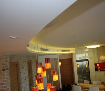 עיצוב דירת יוקרה, הנמכת גבס מעוגלת, עיצוב פנים ופנג שואי, ענבל קרקו