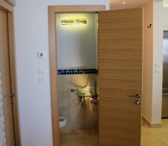 עיצוב דירת יוקרה, עיצוב שירותי אורחים, עיצוב פנים ופנג שואי, ענבל קרקו