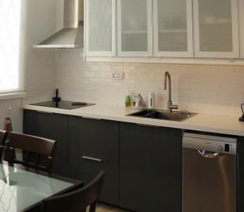עיצוב דירה של אומן, תקריב אל המטבח, עיצוב פנים ופנג שואי, ענבל קרקו