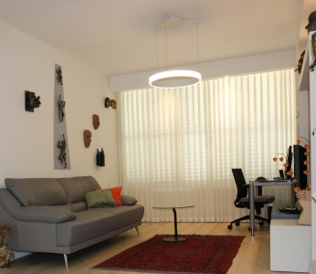 עיצוב דירה של אומן, מבט אל הסלון, עיצוב פנים ופנג שואי, ענבל קרקו