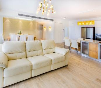 עיצוב דירת קבלן ברחובות, מבט מכיוון הסלון, עיצוב פנים ופנג שואי, ענבל קרקו