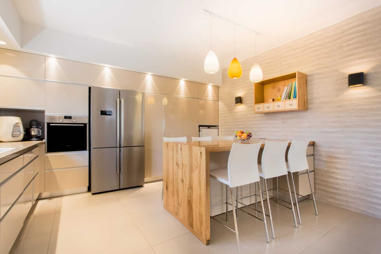 כמה עולה שיפוץ דירה ואיך מסיימים אותו ללא חריגה, עיצוב מטבח בגן יבנה, ענבל קרקו עיצוב פנים ופנג שואי