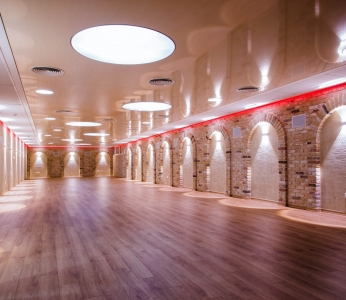 עיצוב אולמות מדיטציה, מבט לאולם הגדול, ענבל קרקו עיצוב פנים ופנג שואי