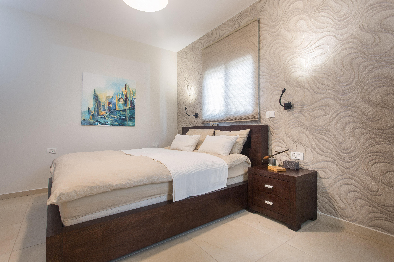 10 הטעויות שלא כדאי שתעשו בעיצוב הבית שלכם, מיקום תאורת קריאה בחדר שינה, ענבל קרקו עיצוב פנים ופנג שואי