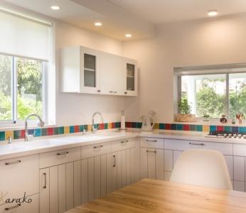 עיצוב פנים צבעוני,מבט מקרוב על המטבח,ענבל קרקו עיצוב פנים ופנג שואי