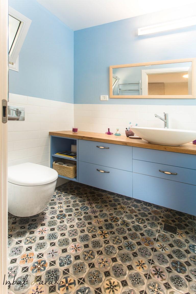 עיצוב חדרי אמבטיה, מקלחת צבעונית, ענבל קרקו עיצוב פנים ופנג שואי