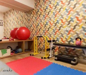 עיצוב פנים צבעוני, חדר ספורט ביתי, ענבל קרקו עיצוב פנים ופנג שואי