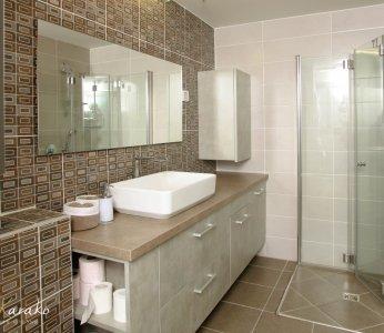 עיצוב בית לבני 60 +, מקלחת הורים, ענבל קרקו, עיצוב פנים ופנג שואי