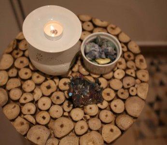 שולחן בפינת ההמתנה, עיצוב קליניקה, ענבל קרקו עיצוב פנים ופנג שואי