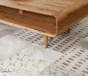 עיצוב בית מודרני לבני 60 +, השטיח בסלון, ענבל קרקו, עיצוב פנים ופנג שואי
