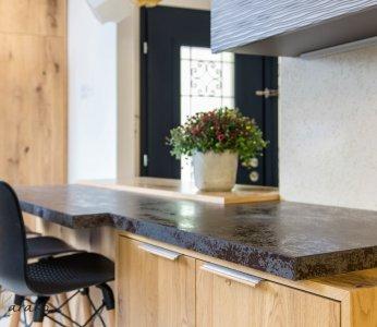 עיצוב בית פרטי ברחובות, דירוג במשטחים במטבח, ענבל קרקו עיצוב פנים ופנג שואי