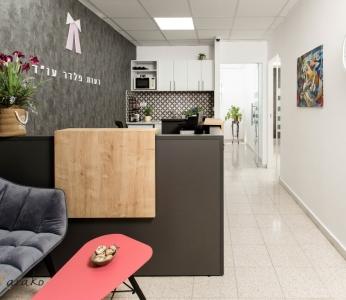 עיצוב משרד עורכי דין, מבט מהכניסה למשרד, ענבל קרקו עיצוב פנים ופנג שואי