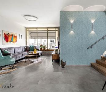עיצוב דירה מודרני חם ברחובות, מבט מפינת האוכל אל הסלון, ענבל קרקו עיצוב פנים ופנג שואי
