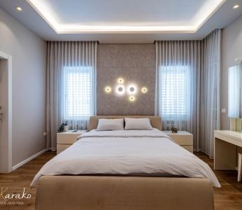 עיצוב פנים יוקרתי במרכז, חדר שינה מבט מול המיטה, ענבל קרקו עיצוב פנים ופנג שואי